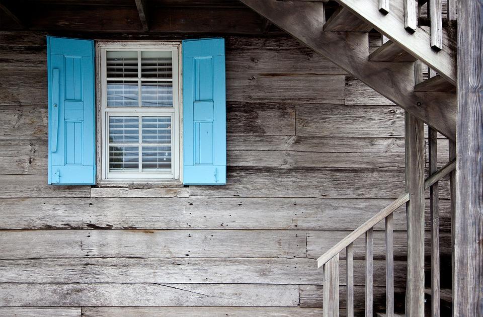 Okno do domu