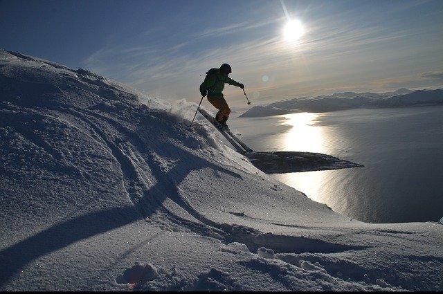 lyžování na svahu