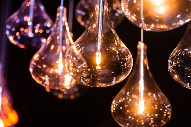 světlo žárovek