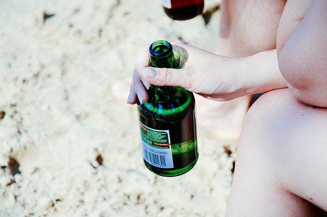 flaška v ruce